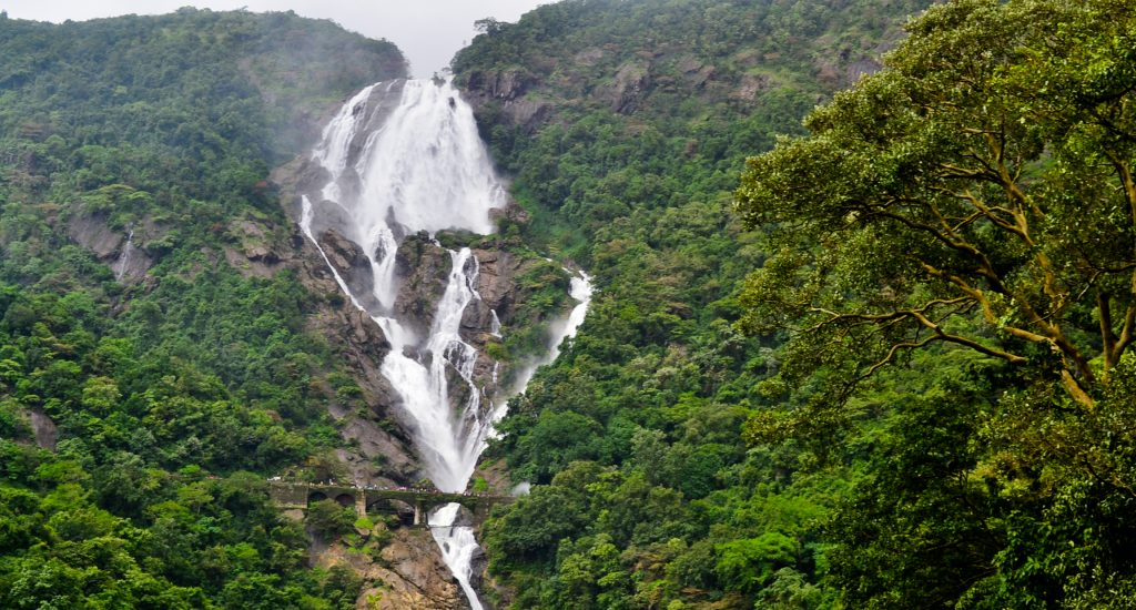 Beautiful Dudhsagar falls in all its glory